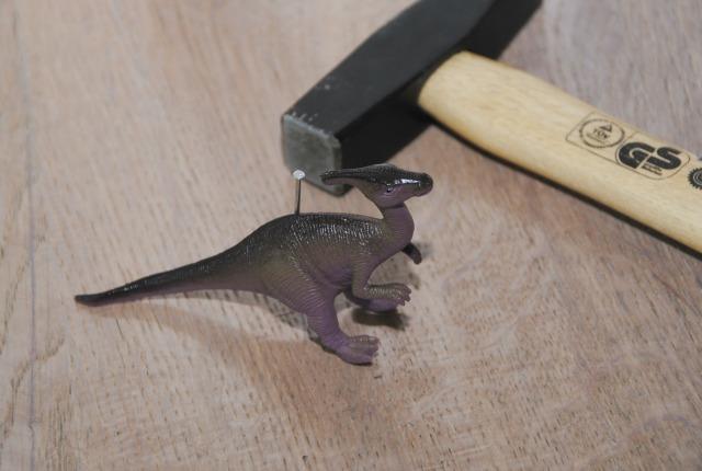 DIY; stoere dinosaurus kaarthouder