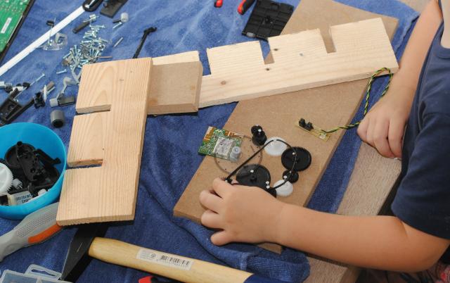 Techniek met kinderen; demonteren & creëren