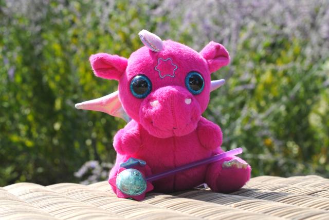 Speelgoed voor poppenmoeders; Baby born baby draakje
