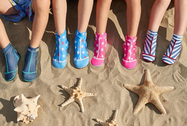 duukies-beachsocks-beschermen-de-voeten-van-je-kind-2