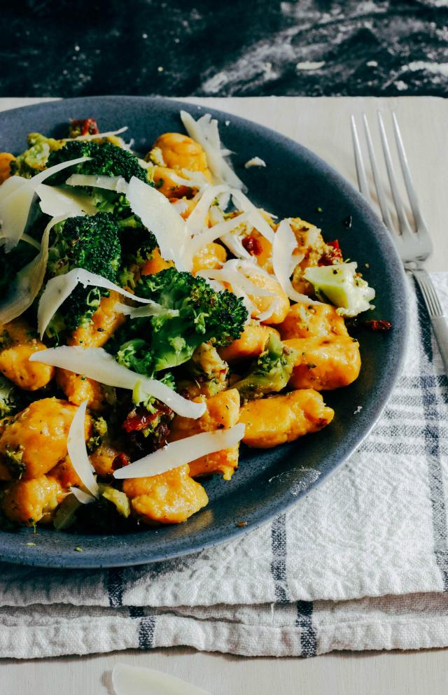 Recept; Pompoengnocchi met broccoli