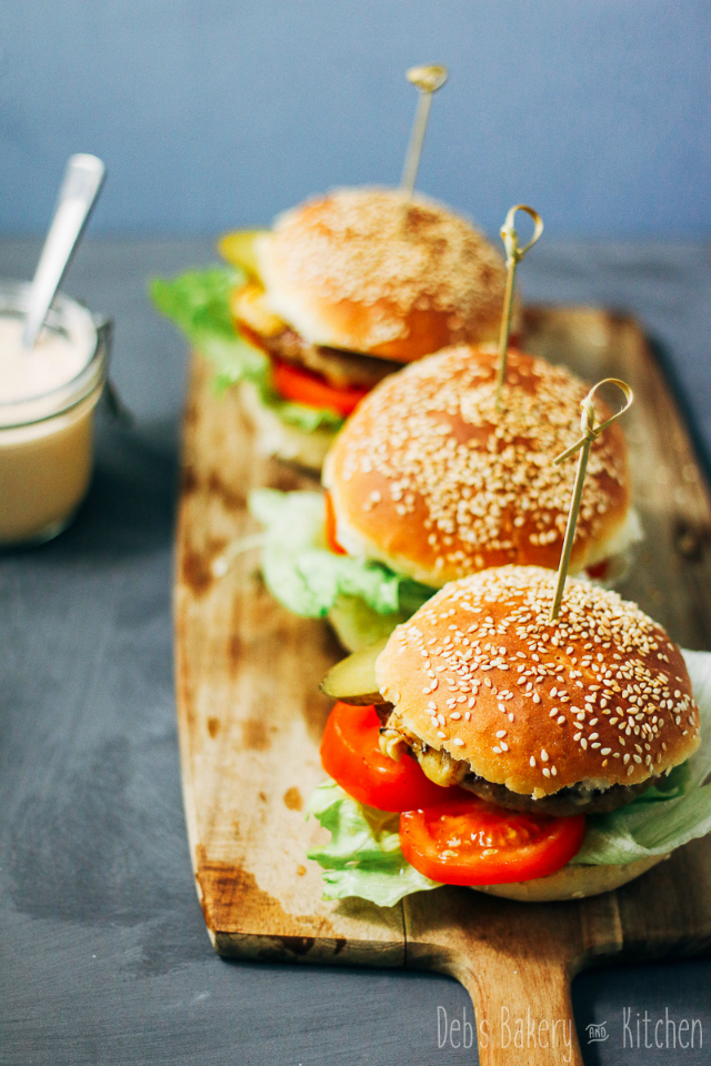 Recept; cheeseburgers met Mac saus